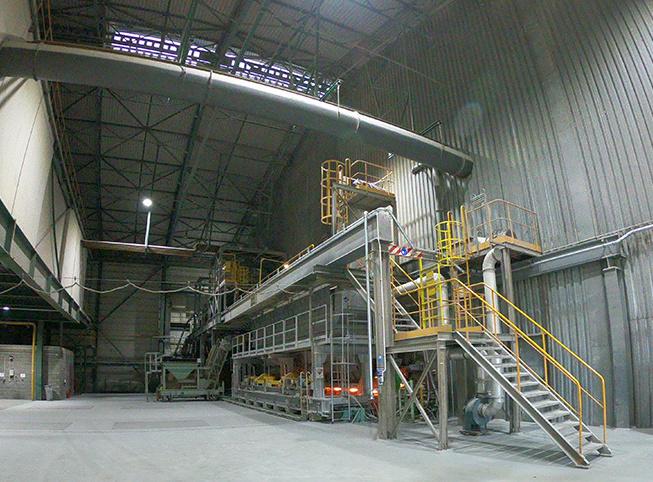 Instalacja odkurzania pieca szklarskiego w hucie szkła wykonana przez firmę Amano